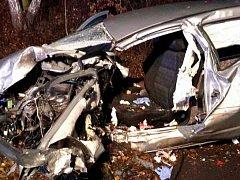 V pátek večer se udála dopravní nehoda osobního auta a kamionu u obce Hazlov.