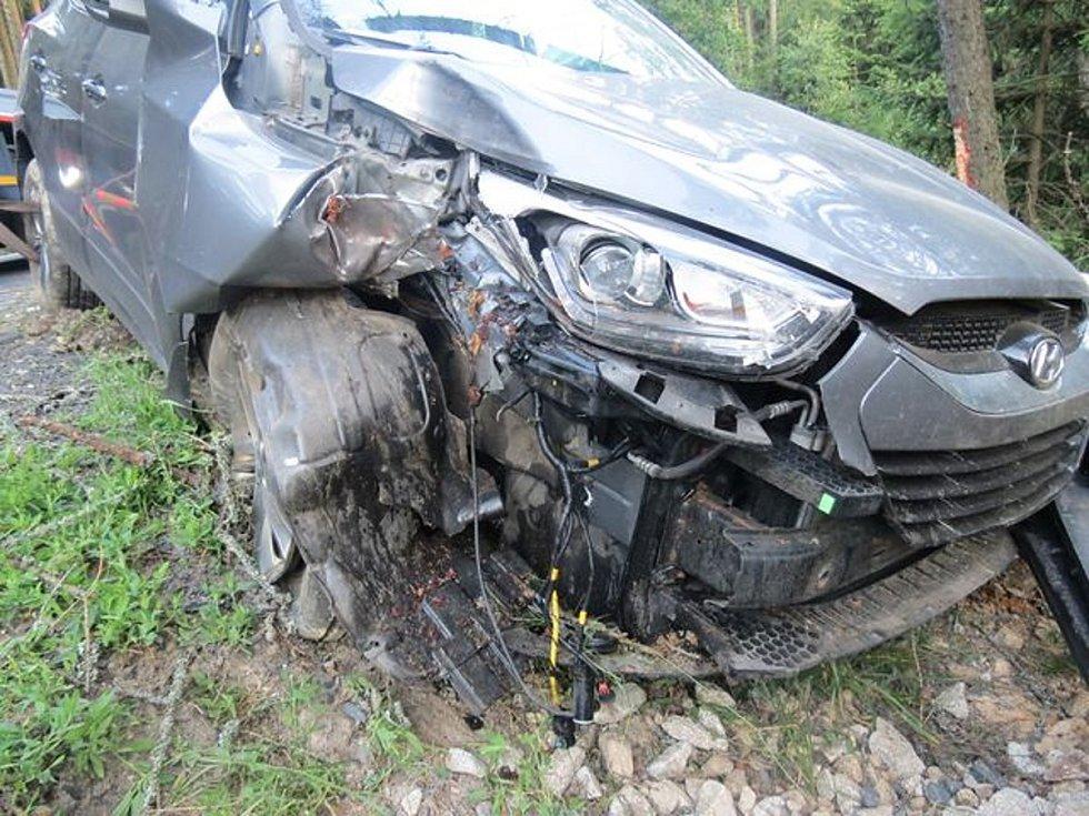Havárie osobního auta mezi Hazlovem a Aší