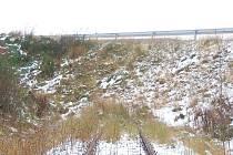 Konec železnice z Aše do německého Selbu je protnuta silnicí. I přes to ale němečtí sousedé uvažují o znovuobnovení trati.