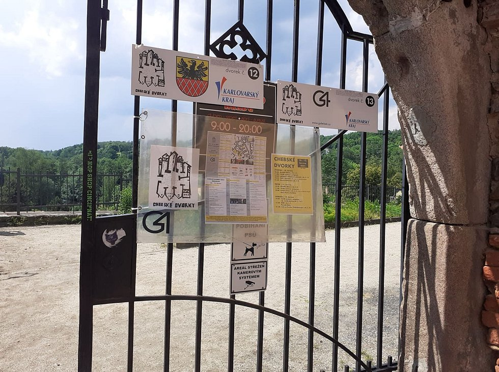 Výstavy, koncerty, divadla, filmové projekce, nebo také i různé workshopy. Takovéto umělecké hody jsme mohli vidět od čtvrtka 10. do soboty 12. června na dvaceti dvou místech v Chebu pod širým nebem.