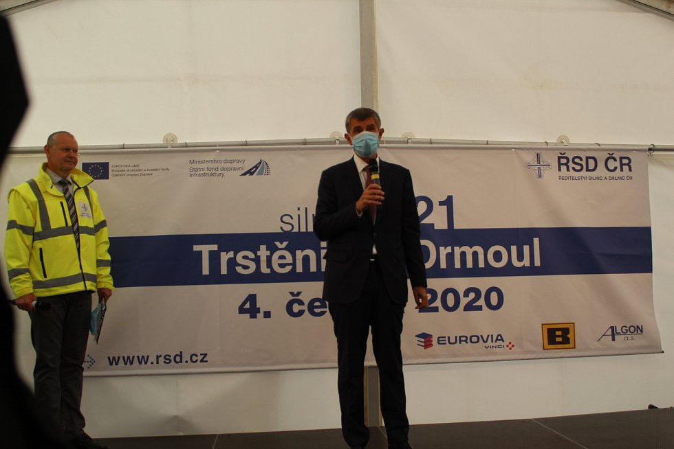 Po dlouhých letech se otevřela pětikilometrová přeložka, která uleví občanům Trstěnic a Drmoulu.