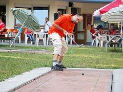 Úplně první Mezinárodní kombi maraton v minigolfu a miniaturgolfu v České republice se odehrál o víkendu v Chebu.