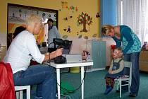 Vyšetření zraku v chebské mateřské školce na Skalce