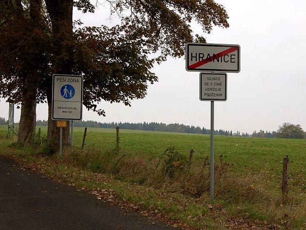 Dopravní značka ´Pěší zóna´se stala předmětem petice v Hranicích. Starosta obce jedná o jejím odstranění.