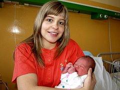 JASMINA FAJKUSOVÁ se narodila ve čtvrtek 21. ledna v 6.45 hodin. Při narození vážila 3640 gramů a měřila 51 centimetrů. Doma v Mariánských Lázních se z malé Jasmínky raduje maminka Markéta spolu s tatínkem Danielem.