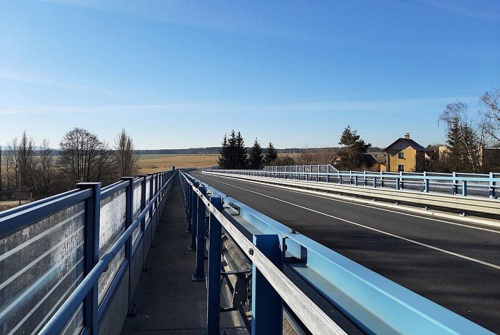 Chebský mykolog Jiří Pošmura se vydal na procházku po regionu. Navštívil několik turistiky atraktivních míst.