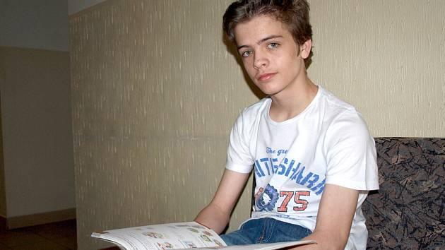 CELOSTÁTNÍ kolo soutěže v německém jazyce vyhrál čtrnáctiletý Tomáš Kůtek z chebského gymnázia.