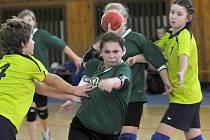 Ve sportovní hale Lokomotivy Cheb se konal turnaj v házené mladších žákyní – první kolo Jihozápadního poháru. Špatně si nevedly chebské naděje.