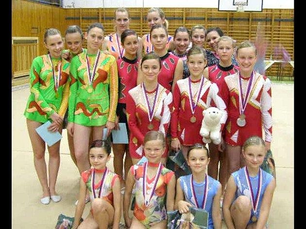 ÚSPĚŠNÁ  výprava mariánskolázeňských moderních gymnastek v Plzni.