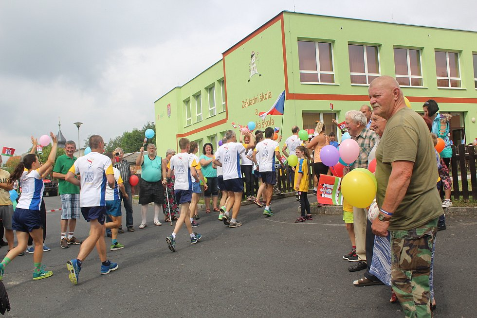 Mírový běh se zastavil i v Dolním Žandově.