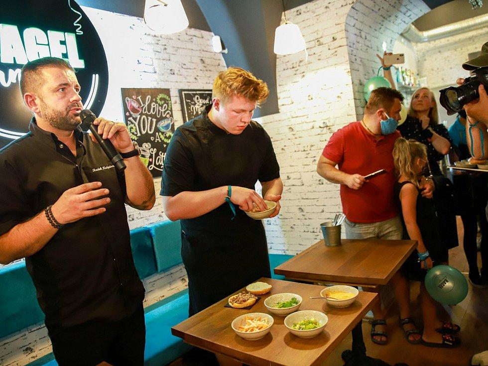 Na chebské náměstí zavítal michelinský šéfkuchař Radek Kašpárek, známý například z televizní soutěže MasterChef.