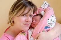 VIKTORIE KLOSOVÁ bude mít v rodném listu datum narození neděli 29. prosince v 0.28 hodin. Vážila 2 800 gramů a měřila 48 centimetrů. Doma v Chebu se z malé Viktorky těší sourozenci Davídek a Sárinka, maminka Petra a tatínek Jindřich.