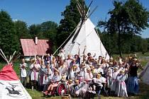 Účastníci pobytového tábora v Jedlové u Staré Vody