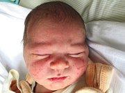 MICHAEL MIŠKOVIC se narodil 19. března v 9:38 v plzeňské porodnici U Mulačů rodičům Nikole a Michalovi z Mariánských Lázní. Po porodu vážil jejich první syn 3150 gramu a měřil 49 cm.