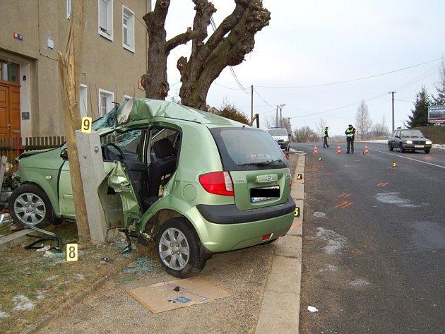 Dopravní nehoda ve Františkových Lázních - Slatině, ke které došlo ve čtvrtek 29. ledna ráno