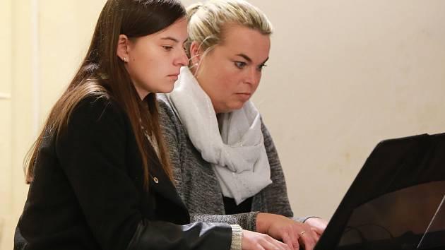 Hudbu v podání mladých talentů vyslechli posluchači v pomezském kostele svatého Jakuba Většího. Na koncertu zahráli žáci Základní umělecké školy v Chebu, kteří vyrůstají v obci Pomezí nad Ohří.