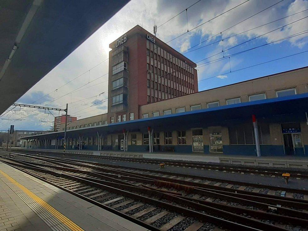 Chebské nádraží. Ilustrační foto.