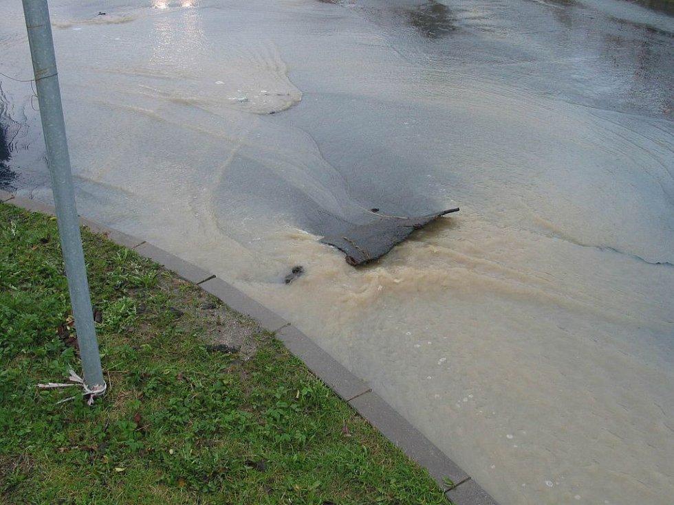 Páteční přívalové deště způsobily řadu problémů i ve Františkových Lázních