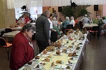 CHEBŠTÍ  MYKOLOGOVÉ připravili pro seniory z chebské Skalky výstavu,  kde bylo k vidění 117 druhů hub.
