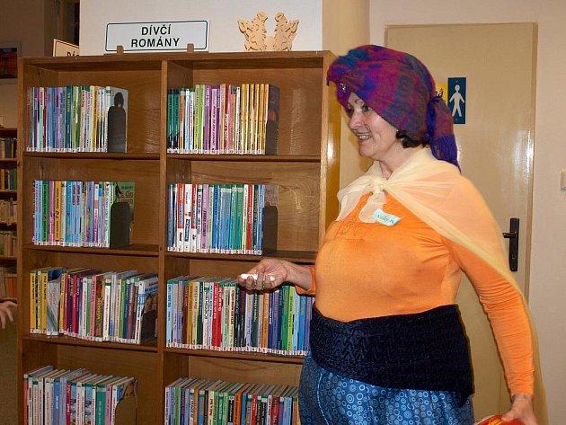 V OBOU ODDĚLENÍCH CHEBSKÉ knihovny se často konají různé zajímavé akce.