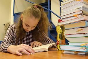 Krajské kolo soutěže Nekoktám, čtu! pro čtenáře ze 4. a 5. tříd se konalo v Krajské knihovně Karlovy Vary.