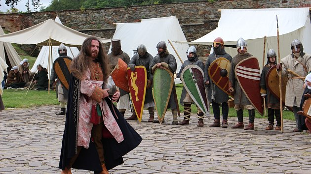 Rudovous verboval na chebském hradě vojáky