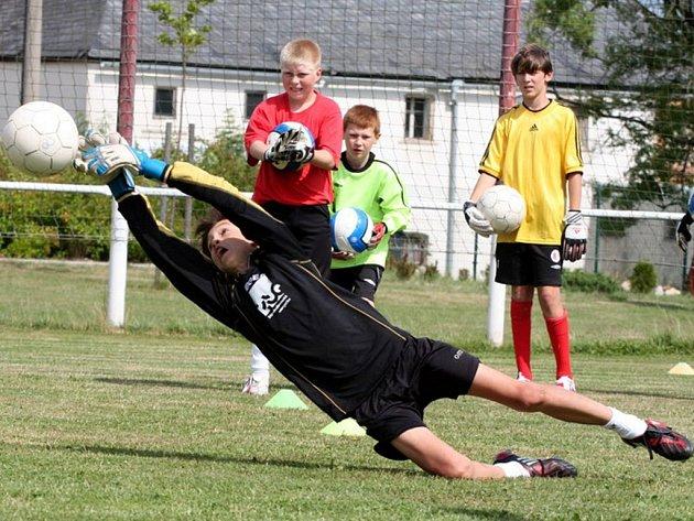 Kemp  brankářů se od 7. července koná  ve Skalné. Na snímku je mladý brankář Marek Vahalík  ze Spartaku Tranava.