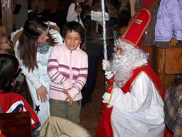 Mikuláše si užily také děti z očního stacionáře, stacionáře Mája a dětského domova.