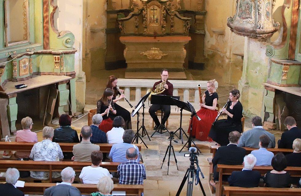 Vystoupení dechového kvintetu Sorgenti si užili návštěvníci kostela svaté Anny v Paliči.