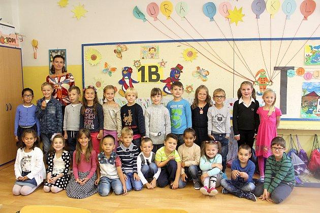 Žáci 1.B z1. základní školy Cheb střídní učitelkou Lenkou Šebovou.