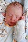 LUDVÍK MOUDRÝ bude mít vrodném listu datum narození středu 3. srpna v10.45 hodin. Na svět přišla sváhou 2940 gramů. Zmalého Ludvíčka se těší doma vAši sestřičky Štefanie, Sára, Kristýna a Laura, maminka Zuzana a tatínek Ludvík.