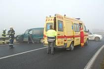 Nehoda zaměstnala záchranáře v Dolních Dvorech.