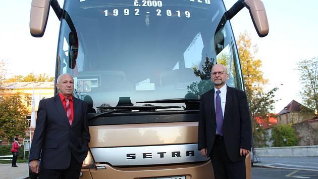 Už 2000 autobus vypravil na divadelní představení do Prahy profesor chebského gymnázia Miroslav Stulák.