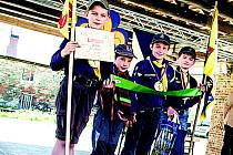 SKAUTSKÁ SOUTĚŽ. Nejmladší skauti celého Karlovarského kraje poměřili své síly v soutěži v klášteře Teplá. Mezi chlapci si nejlépe vedlo družstvo Krabů z Karlových Varů.