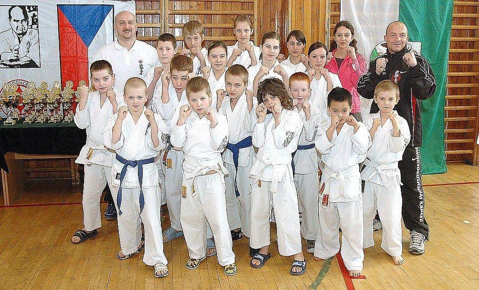 Františkolázeňští karatisté získali sedm cenných kovů na 7. ročníku Národního poháru v shinkyokushinkai karate v Sokolově