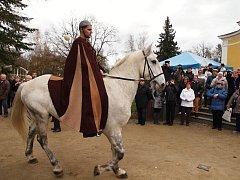 Zimní sezonu právě zahájili ve Františkových Lázních! A protože se slavnost konala 11. 11. v 11 hodin, 11 minut, bylo jasné, že nesmí chybět ani svatý Martin na bílém koni.