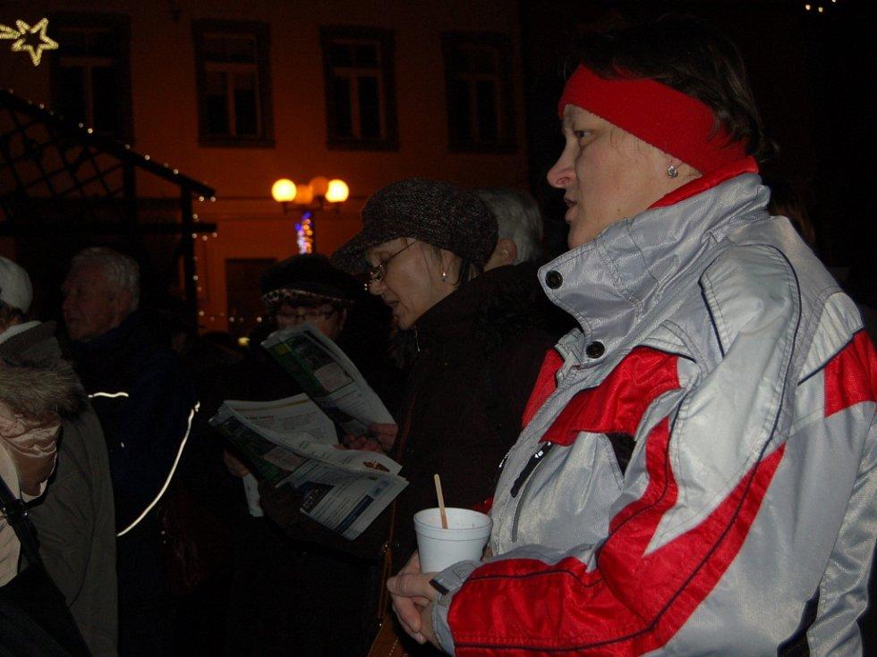 Česko zpívá koledy Cheb.
