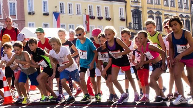Už teď se připravuje na běžecký závod Valdštejnova desítka. Dětské kategorie budou mít běžeckou prohlídku městem dlouhou 1 km.