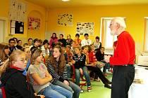 TOMÁŠ GRAUMANN ZAVÍTAL se svým příběhem také na Svobodnou chebskou školu.