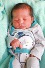Dominik Horvát se narodil vúterý 23. ledna v23.30 hodin. Na svět přišel sváhou 3150 gramů. Maminka Natálie a tatínek Dominik se radují zmalého synka doma vChebu.