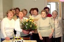 Výjimečná byla také první letošní schůzka – na té totiž oslavily 80. narozeniny Miládky Bučkové (na snímku).