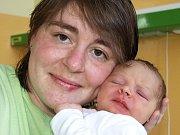 JAKUB KOPECKÝ se narodil v sobotu 7. března v 8.10 hodin. Při narození vážil 3740 gramů a měřil 54 centimetrů. Maminka Dana a tatínek Lukáš se radují z malého Jakoubka doma v Chebu.
