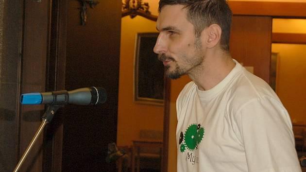 Pedagog Antonín Jalovec žádal zastupitele Pavla Hojdu, aby se omluvil studentům za své výroky