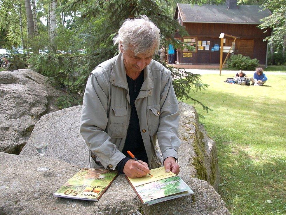 KULATÉ, padesáté výročí od založení Státní přírodní rezervace Soos, oslavili lidé přímo u rezervace.