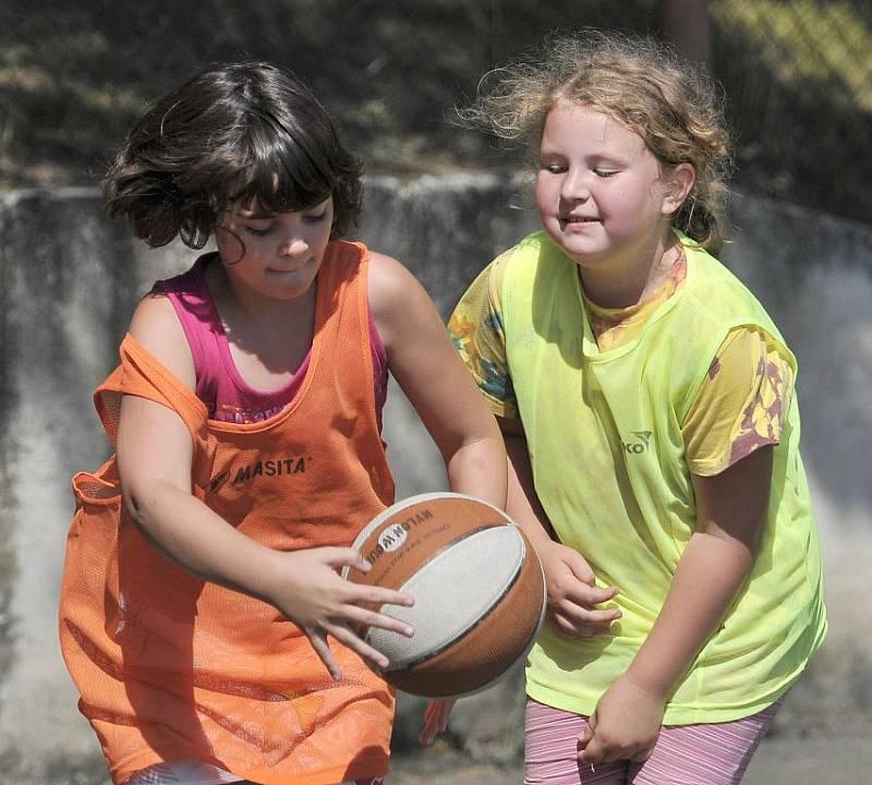 Na Ronaku u Jesenické přehrady u Chebu se konal basketbalový kemp Lokomotivy Cheb