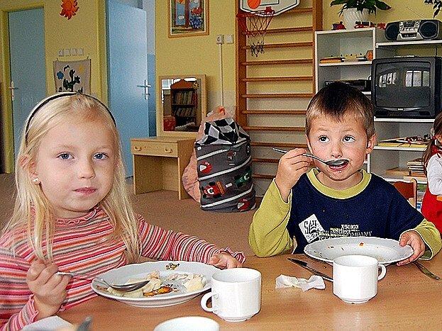 Jídlo připravené v konvektomatu dětem chutná