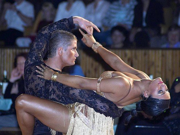 Vítězství z  taneční soutěže Grand Prix Cheb 2007 v latinskoamerických tancích si odvezl pár Lukáš Hojdan a Zuzana Sýkorová z Ostravy