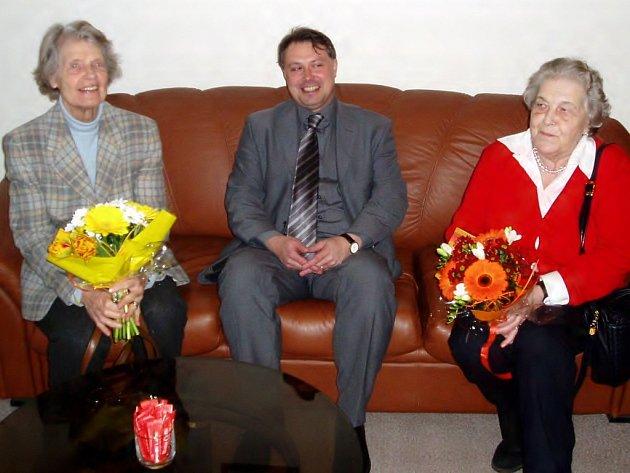 Hned dvě hraběnky zavítaly na tři dny do Chebu - Margarete von Waldstein Wartenberg (na snímku s místostarostou Michalem Pospíšilem vpravo) a Eleonora von Thun Hohenstein.