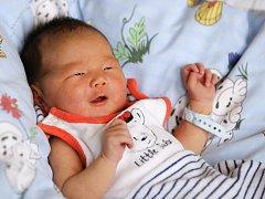 ENKH AMGALAN GANZORIG se narodil v sobotu 19. března v 11.14 hodin. Při narození vážil 3 460 gramů a měřil 50 centimetrů. Doma v Aši se z malého brášky těší Egshiglen s maminkou Suvd Erdene a tatínkem Ganzorig.