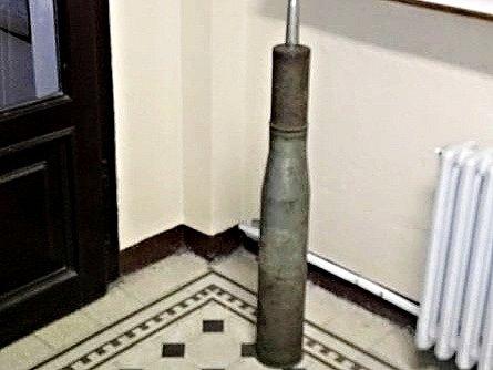 Nalezený průbojný dělostřelecký náboj.